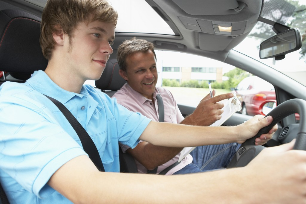 3 things you'll need with you on your driving lessons