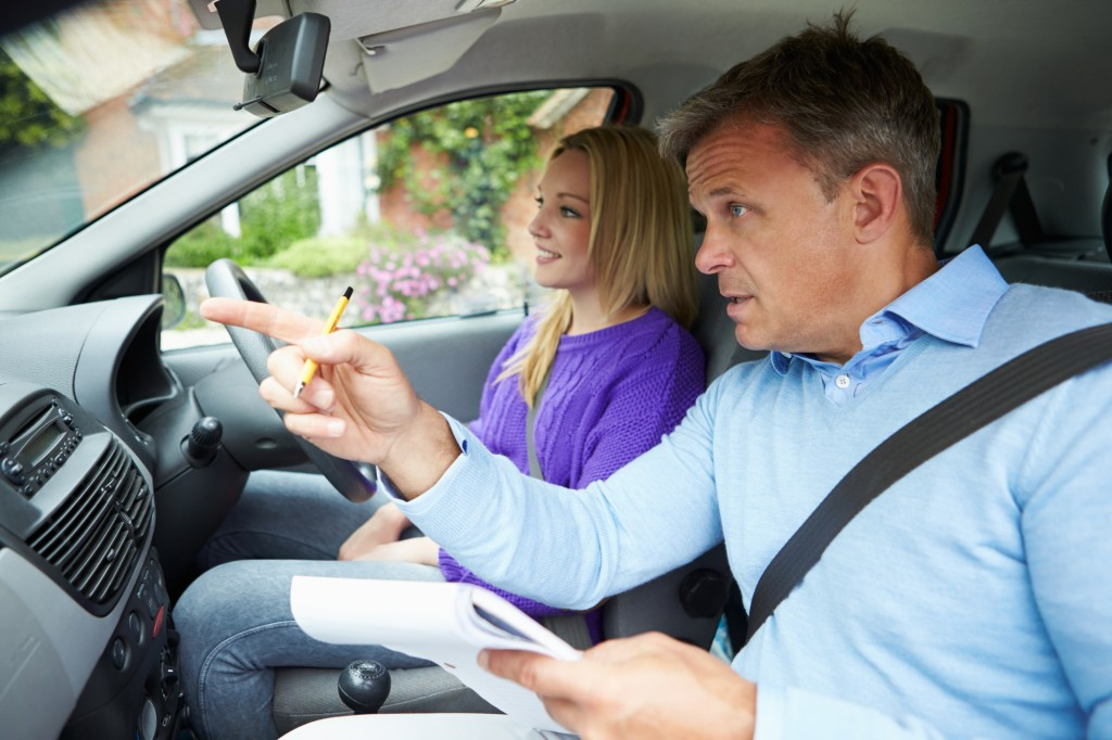what should you wear for your driving lessons?
